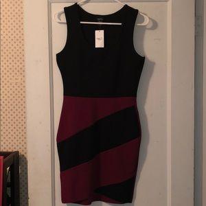 Rue 21 Black and Maroon slim fit night dress